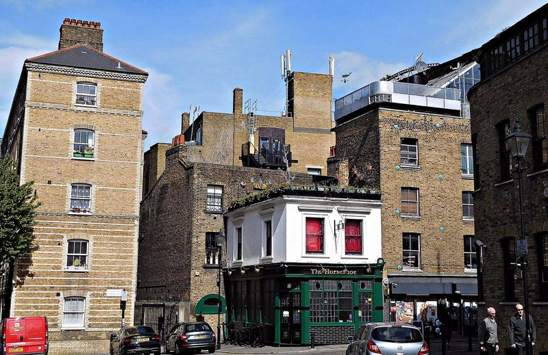 Clerkenwell Close and The Horseshoe pub