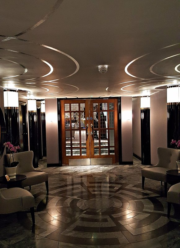 Landsdowne Club: interior