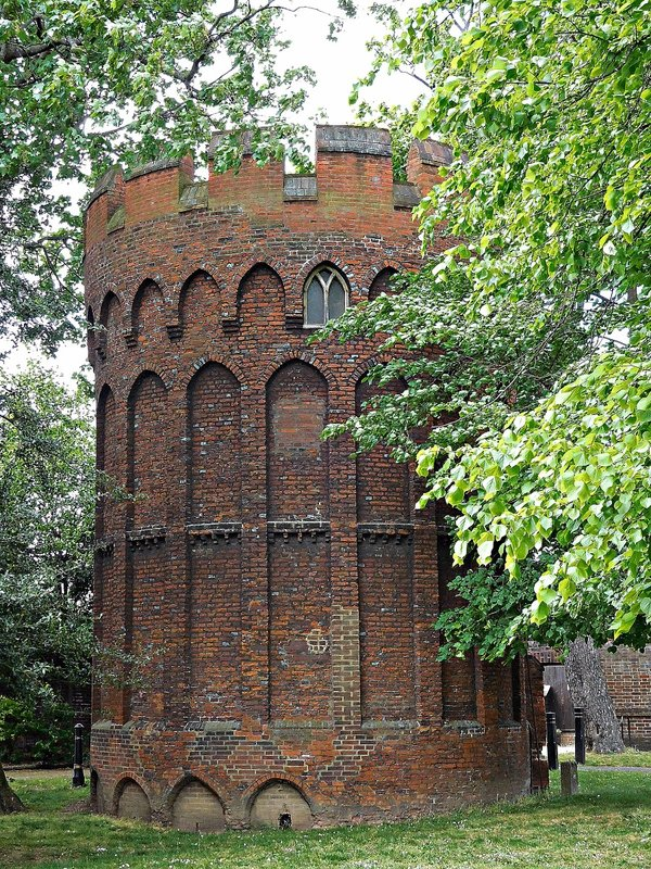 Bruce Castle: old tower