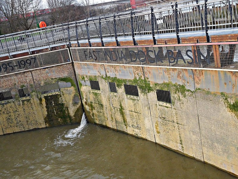 East India Docks Basin: outer  lock gates