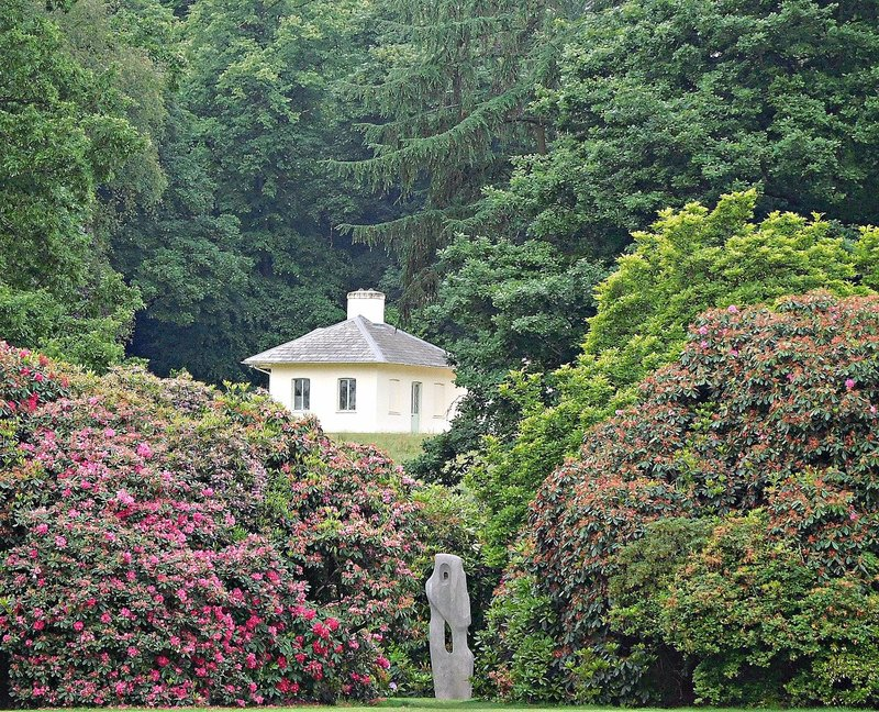 Kenwood Barbra Hepworth and distant Kenwood Farm
