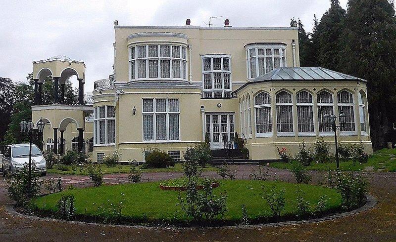 Bishopswood on Hampstead Lane