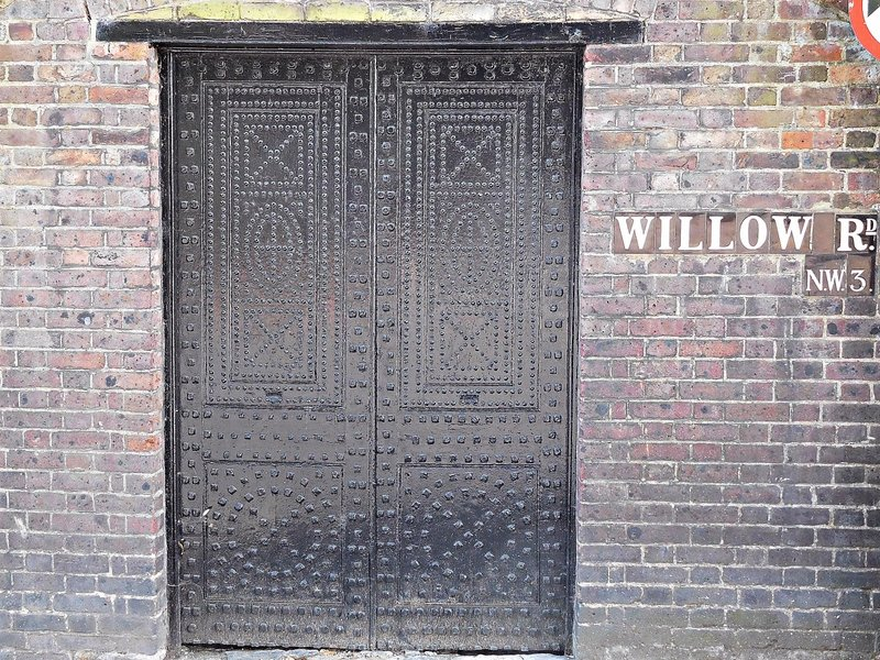 Doorway near Well Walk Pottery on Willow Road