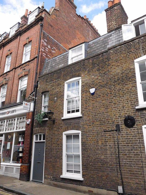 Perrins Lane: the  'Old mans' bookshop