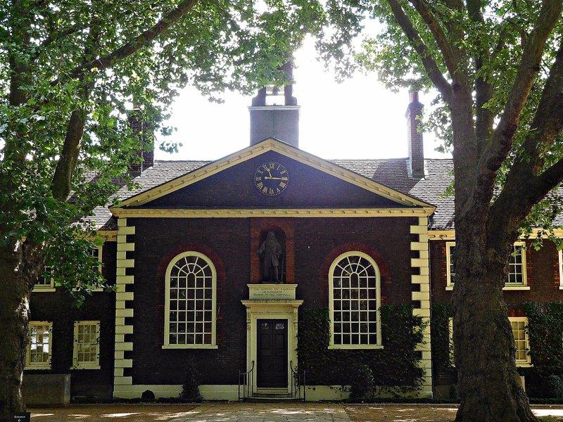 Geffrye alms-houses chapel