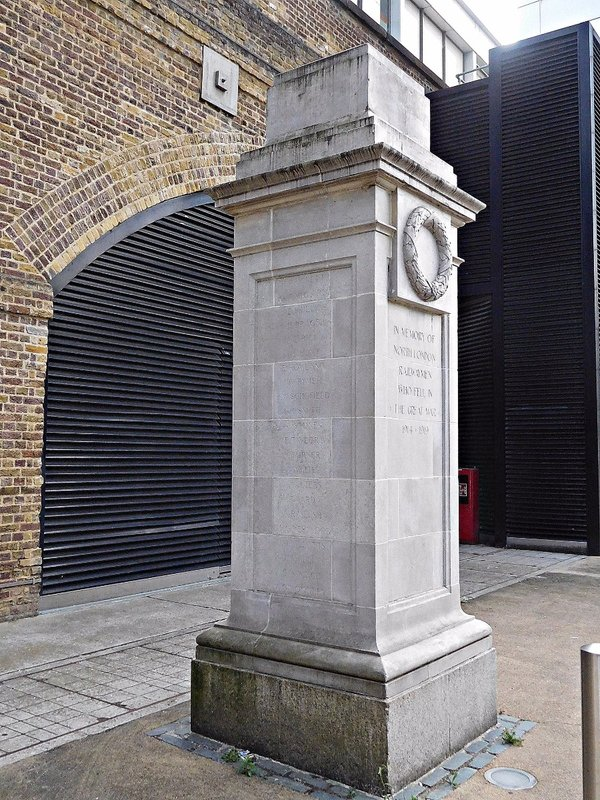 Hoxton Station WW1 memorial