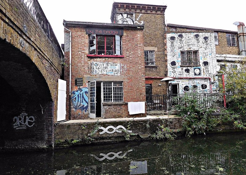 Kingsland Road bridge over Regents Canal