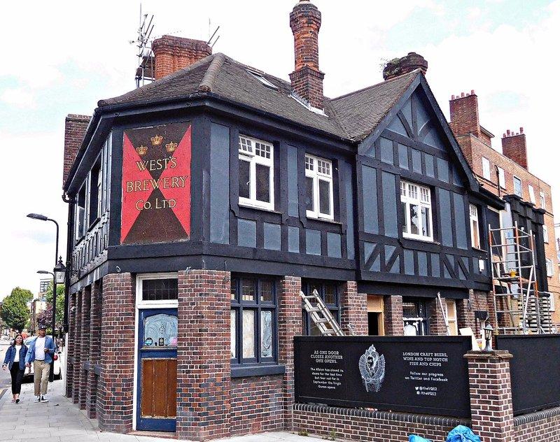 Former Albion pub, Goldsmiths Row
