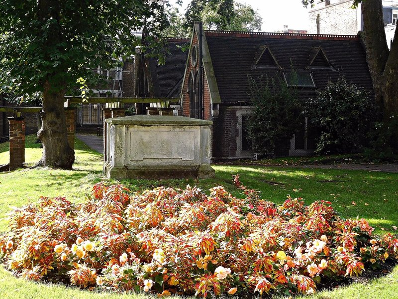 St Mary Abbots Gardens