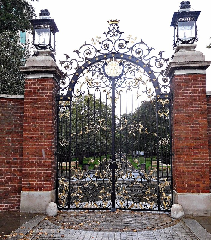 Holland Park gates Ken High Str