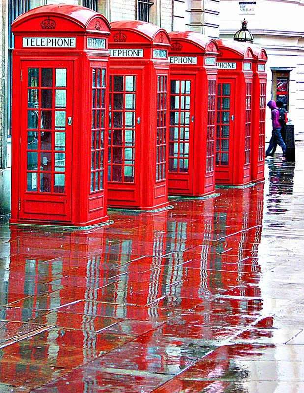 Five kiosks - ringing in the rain! Near Bow Street Court