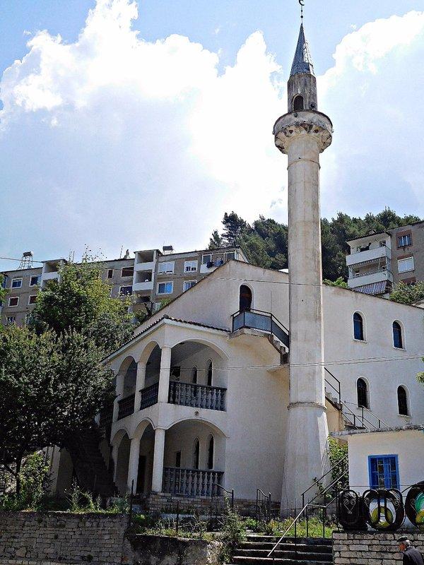 POLICAN 6 Polican: mosque