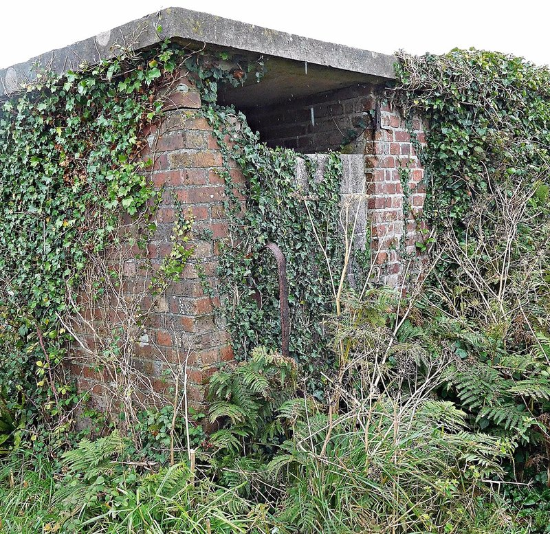 Small bunker near East Soar car park