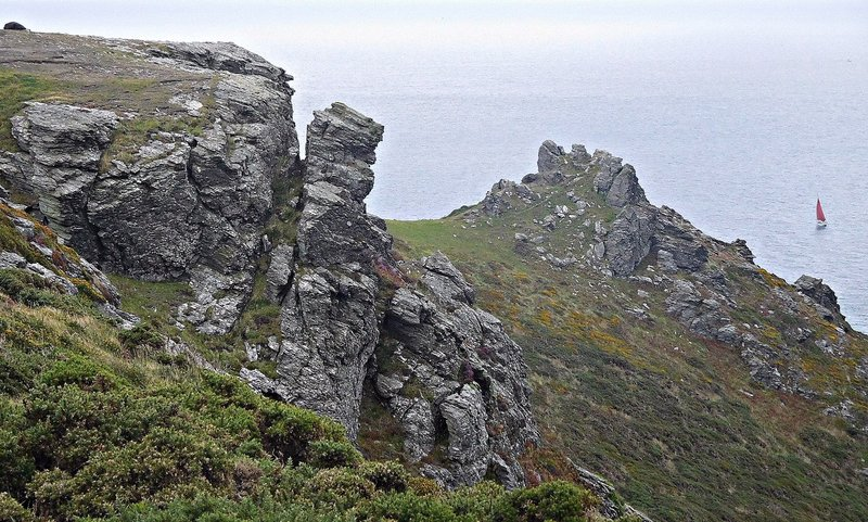 Rocks on Bolt Head