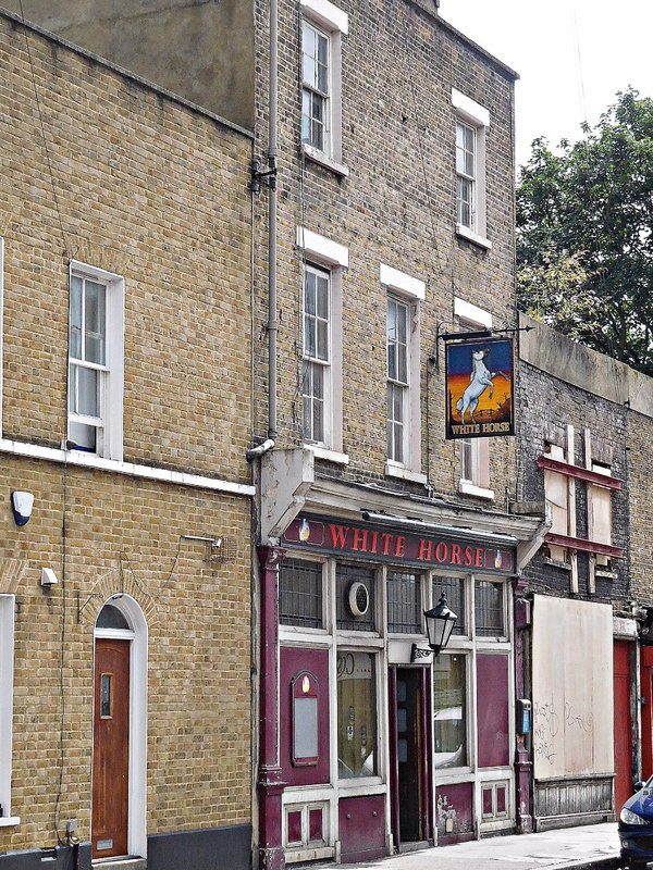 White Horse pub in White Horse Rd