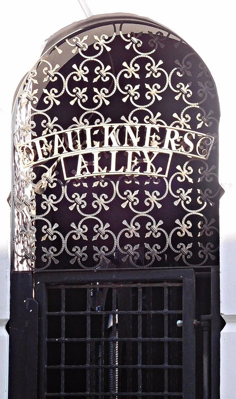 Faulkners Alley off Cowcross St