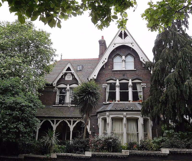 A 'villa' on Fitzjohns Ave