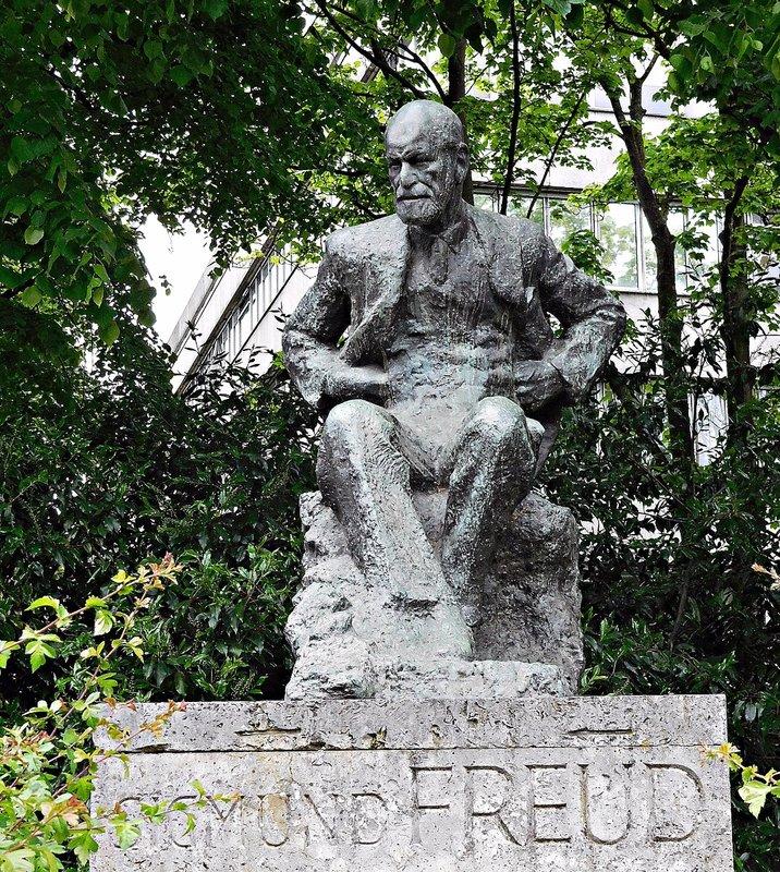 Sigmund Freud outside Tavistock Centre