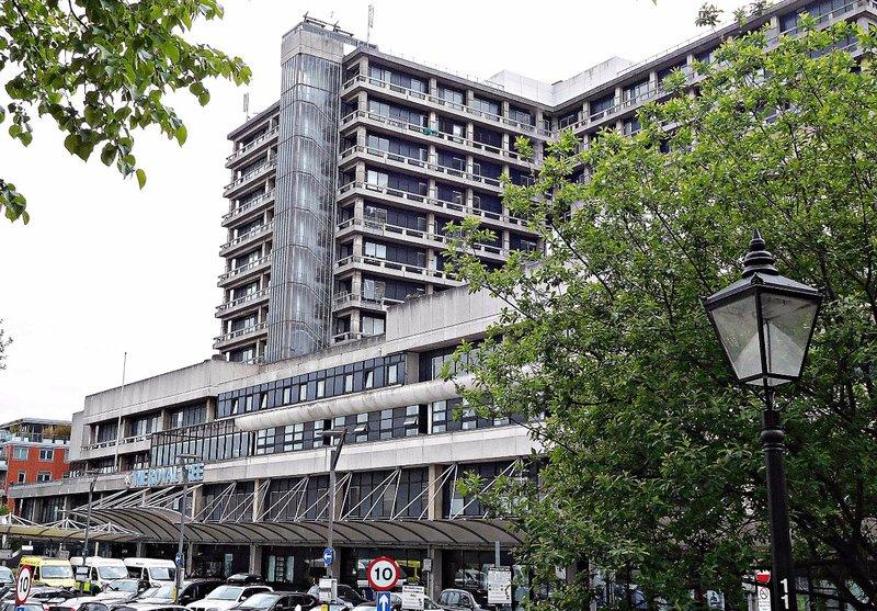 Royal Free Hospital front
