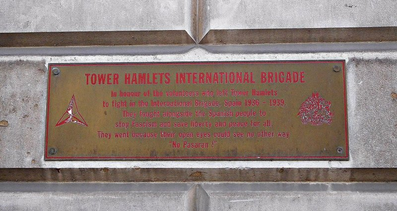 Cable Street: St Georges Town Hall: Civil War  plaque