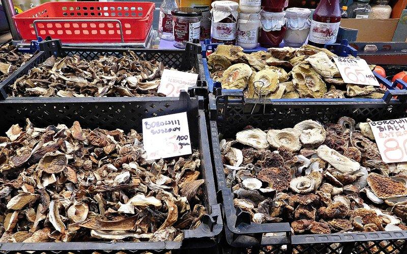 WROCM 11e Dried mushrooms Hala Targowa