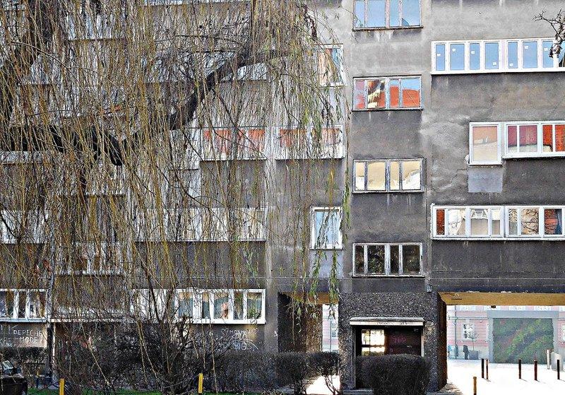 WROCM 8c Socialist era housing near Hala Targowa