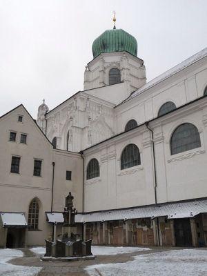 250219746753130-Domkreuzgang..ral_Passau.jpg