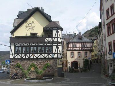 4063435-Zell_old_town_Zell.jpg