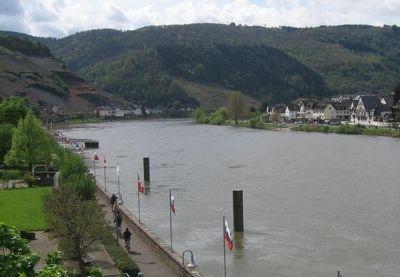 River promenade - Zell