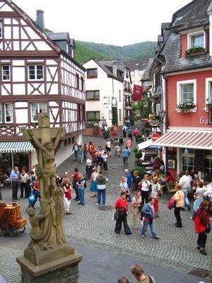 4071540-Bernkastel_Old_Town.jpg