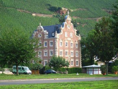 4075233-Moenchhof_winery_Uerzig.jpg