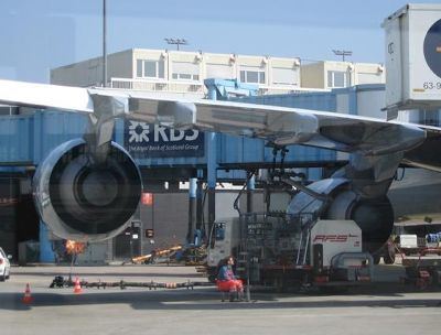 4161425-Refilling_fuel_Frankfurt_am_Main.jpg