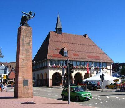 4296010-Market_square_Freudenstadt.jpg