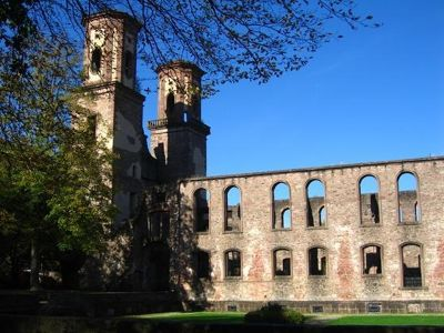 4331408-Frauenalb_Convent_Ruins.jpg
