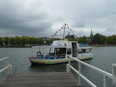 4528864-The_ferry_arrives_Schwerin.jpg
