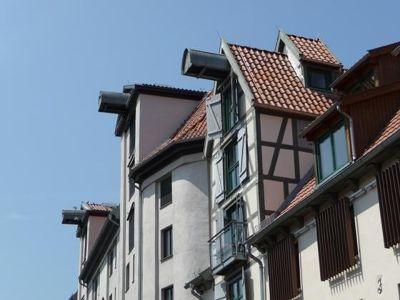 4579091-Cranes_on_old_storages_Rostock.jpg