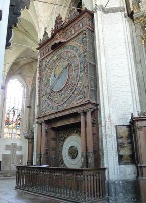 4579178-Astronomical_clock_Rostock.jpg