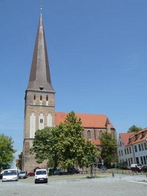 4579247-Petri_church_Rostock.jpg