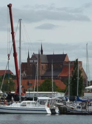 4579705-Georgenkirche_from_the_harbour_Wismar.jpg