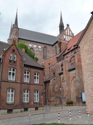 4579706-Georgenkirche_Wismar.jpg