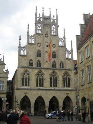 4587596-Rathaus_M252nster.jpg
