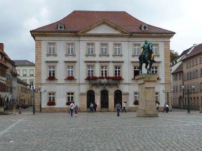 4890623-Town_hall_Landau_in_der_Pfalz.jpg
