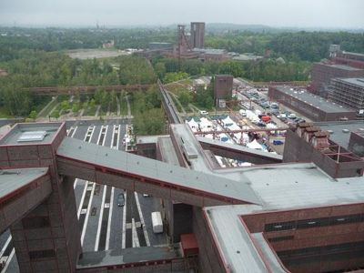 4906720-View_from_the_roof_Essen.jpg
