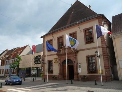 5086662-Town_hall_Lauterbourg.jpg