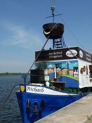 560585804579162-Smoked_fish_..en_Rostock.jpg