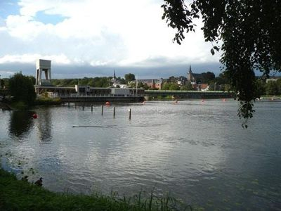611791204910617-Ruhr_lake_wi..town_Essen.jpg