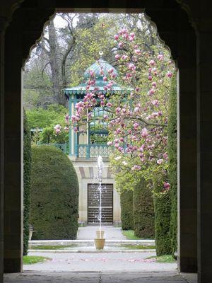 6185640-Wilhelma_The_Moorish_Garden_Stuttgart.jpg