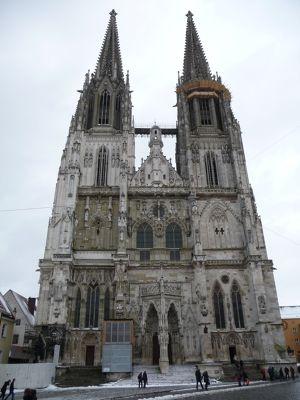 6464811-Dom_Cathedral_Regensburg.jpg