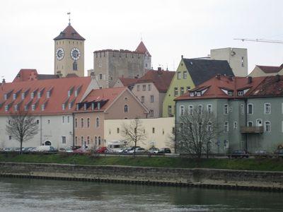 6467470-Medieval_Tower_Houses_Regensburg.jpg