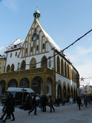 6473219-Rathaus_Town_Hall.jpg
